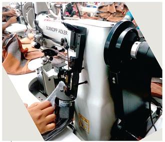 Shoulder Pad Attach Machine